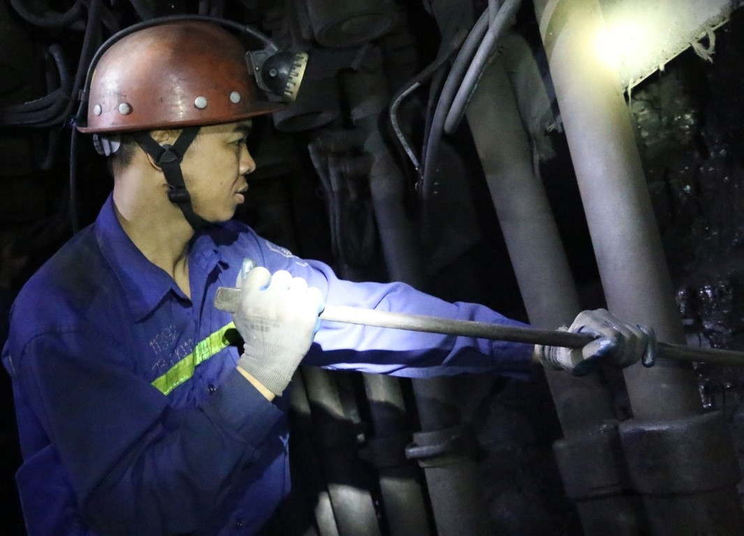 Công ty Than Thống Nhất – TKV khuyến khích 166,5 triệu đồng tiền lương tháng 1/2021 cho công nhân lao động